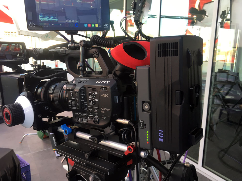 Sony Fs-5 rig with IDX power adapter